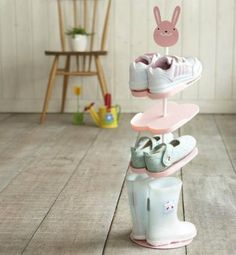 hono: Boots also accommodates children's shoe rack KID'S SHOES RACK ANIMALS (animal kids ' shoe rack) - Purchase now to accumulate reedemable points! Baby Bedroom, Girls Bedroom, Kids Shoe Rack, Shoe Racks, Ideas Habitaciones, Shoe Storage Shelf, Storage Rack, Storage Shelves, Ideas Para Organizar