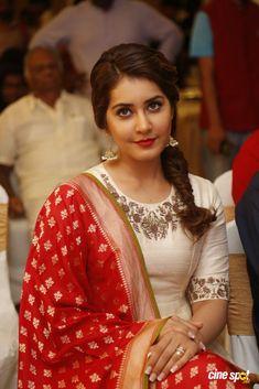 Unseen Sizzling Pics Of Actress Rashi Khanna - Cinebuzz Beautiful Girl Indian, Most Beautiful Indian Actress, Beautiful Girl Image, Beautiful Actresses, Beautiful People, Indian Braids, Thing 1, Stylish Girl Images, Indian Designer Outfits