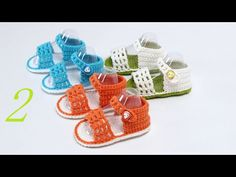 How to Crochet Baby Shoes: Pierced Baby Shoes – Shoes World Crochet Baby Sandals, Crochet Baby Boots, Booties Crochet, Baby Girl Crochet, Crochet Baby Clothes, Crochet Shoes, Crochet Slippers, Baby Booties, Knitting For Kids