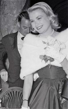 Grace Kelly, Princess Caroline, Princess Mary, Kelly Monaco, Fur Collar Coat, Iconic Photos, Two Daughters, Cannes Film Festival, Duchess Of Cambridge