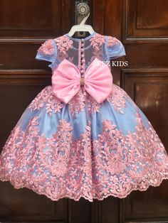 Baby Girl Frocks, Kids Frocks, Frocks For Girls, Little Girl Dresses, Flower Girl Dresses, White Princess Dress, Princess Outfits, Girls Frock Design, Birthday Party Outfits