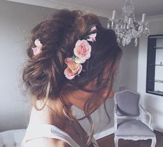 ~Someone told me there's a girl out there with love in her heart & flowers in her hair~ Follow: ₲ r a c e .:Hundreds of pins daily ranging from fashion, food, fitness, hairstyles, vacation destinations, and much more!:. https://www.pinterest.com/officialgrace/