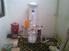 Pemasangan Filter Air dibawah ini adalah salah satu contoh bahwa filter air sekarang  sangat dibutuhkan karena kualitas air yang diambil dari tanah jauh dari standar air bersih. Pemasangan ini di rumah Ibu Dewi di Griya Torina Bintaro Tangerang Selatan