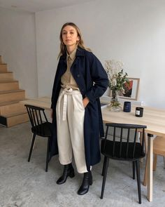 Staring vacantly in to the weekend. Thank god you're almost here. Brittany Bathgate, Normcore Fashion, Latest Outfits, Minimalist Fashion, Everyday Fashion, Autumn Winter Fashion, Women Wear, Street Style, Style Inspiration