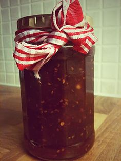 So you're looking to create the ultimate spicy jam? See our 15 favourite chilli jam recipes for inspiration! Chilli Recipes, Chutney Recipes, Jam Recipes, Snack Recipes, Snacks, Homemade Xmas Gifts, Chilli Jam, Relish Sauce, Marmalade
