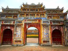 Gate to the Royal Mother's Quarters. Citadel at Hue. #travel #travelbloggers #hue #palace #ancientcity #vietnam