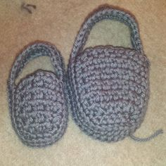 Here's another good look at the difference between the size 2 and 6 loafers I'm working on. It's so fun to do the same thing in the same color in 2 different sizes.   #crochet #handmade #handcrafted #etsy #baby #babyshoes #firstshoes #babyboy #babygirl #babygift #babyfeet #babylove #momlife #newborn #toddler #sahm #wahm #mompreneur #instagood #love #happiness #cute #shoes #momlife #toddlerlife