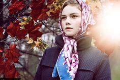 http://stylememarta.tumblr.com/post/77466079330/the-retro-chic-scarf