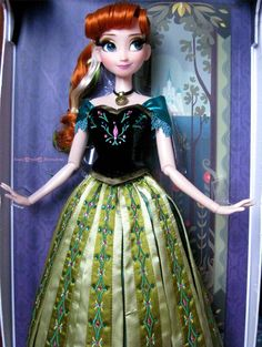 Limited Edition Disney doll coronation Anna