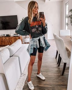 As you guys know, I've been wearing Golden Goose sneakers for a long time now. Legging Outfits, Sneaker Outfits, Athleisure Outfits, Shirt Outfit, Black Biker Shorts, Goose Clothes, Graphic Tee Outfits, Gym Clothes Women, Fashion Jackson