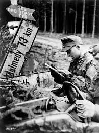 Bridge head area , February 1945. -Operation Südwind. The Guy at SPW is with 99% sure SS-Obersturmführer G l o t z , commander of the Staff Company at K.Gr Knittel ( Pz.AA-1 LAH ) Mirko