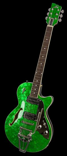 Starplayer TV: Duesenberg Guitars - Emerald Green
