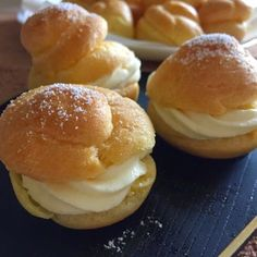 Whipped cream with instant custard powder helps to prevent the cream from melting too fast at our warm tropical climate. As the insta...