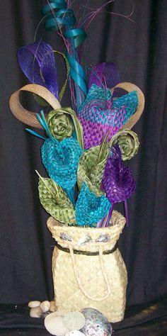 Table Arrangements & Centrepieces-Fabulous Flax Flower Bouquets and Arrangements