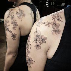 Feita por @danicunha.tattooyou Endereço: Av. Dr. Cardoso de Melo, 320 - Vila Olimpia - São Paulo - Estúdio Tattoo You Contato: dani@tattooyou.com.br Conheça outros trabalhos do artista acessando: @danicunha.tattooyou