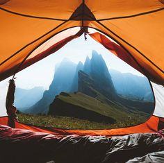 Post with 10127 votes and 330017 views. Shared by ShadowBun. Not a bad morning view for camping in Italy Camping 3, Camping Hacks, Outdoor Camping, Camping Ideas, Camping Outdoors, Outdoor Food, Amazing Photography, Travel Photography, Photography Ideas