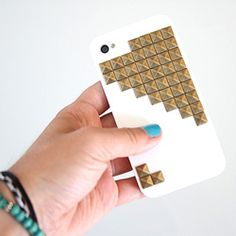 Make your own studded iPhone case at less than half the cost you see them for online! #craftgawker