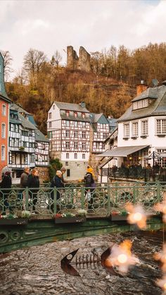 The complete guide to visiting Germany's most beautiful Christmas Market: Monschau. Like stepping back in time, this 'Weihnachtsmarkt' is unlike any other. Eco City, European City Breaks, Voyager Loin, German Christmas Markets, Visit Germany, Explorer, Blog Voyage, Natural Wonders, Travel Inspiration