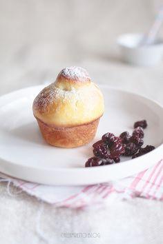 Cafe Amaretto: Brioszki migdałowe z wiśniami