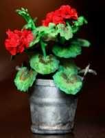 Mini Mansion - The Geranium Project Miniature Plants, Miniature Fairy Gardens, Miniature Dolls, Dollhouse Tutorials, Miniature Tutorials, Minis, Hydrangea, Paper Plants, Mini Plants