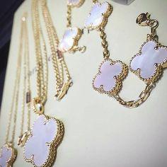 Custom Made Jewelry Beauty Fashion Love High jewelry Gold Bracelet Tiffany Finej ewelry Diamond Vancleef bvlgari Vca Beauty Gift Dream Rings Chanel Handcrafted Amazing Cartier Necklace