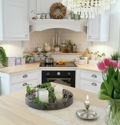 Beautiful kitchen decor and design Country Kitchen, New Kitchen, Kitchen Interior, Kitchen Dining, Kitchen Decor, Kitchen Cabinets, Cottage Kitchens, Home Kitchens, Corner Stove
