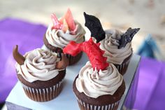 Dragon cupcakes with recipe for modeling chocolate