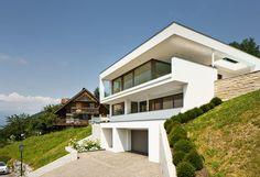 #Einfamilienhaus #Hanghaus #Klaus  modern #Edelstahlpool# luxushaus mit pool# Luxushaus im Hang