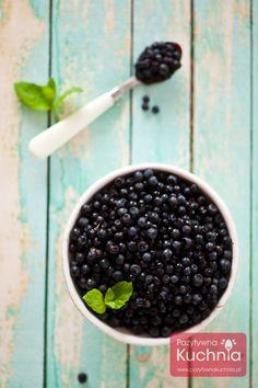 Witaminy, walory i właściwości czyli dlaczego warto jeść #jagody  http://pozytywnakuchnia.pl/jagody-walory/  #dieta #zdrowie #owoce #kuchnia