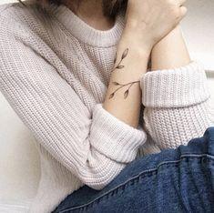 80 Unique ➿ Wrist Tattoos Forearm Tattoos for Women with Meaning - Diaror Diary - Page 29 Mini Tattoos, Model Tattoos, Cute Tattoos, Tatoos, Elegant Tattoos, Beautiful Tattoos, Forearm Tattoos, Arm Band Tattoo, Leaf Tattoos