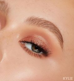 , [Sorta Sweet shades Buttermilk and Raspberry Sugar ✨ launching TOMORROW at . Sorta Sweet shades Buttermilch und Himbeerzucker ing Start von TO. Makeup Trends, Makeup Inspo, Makeup Inspiration, Makeup Ideas, Makeup Tutorials, Makeup Geek, Hair Makeup, Light Eye Makeup, Natural Eye Makeup
