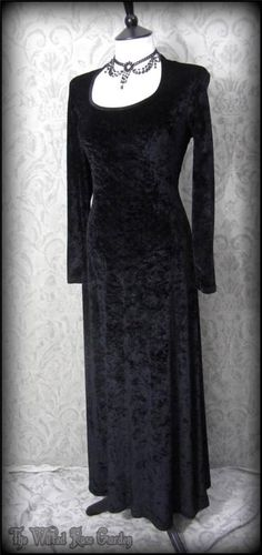 Black Crushed Velvet Winter Maxi Dress L 12 Hippie Pagan Gothic Romantic | THE WILTED ROSE GARDEN