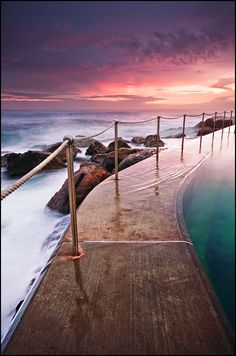 Twilight colours at Bronte Pool, Sydney. Photography by Psyfre, via deviantART.