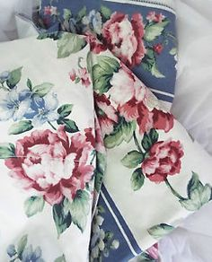 Blue Pink Cabbage Rose Shabby Curtains Chic Victorian Style Floral Flower White ettyblue.blogspot.com Scherer Beautiful Living