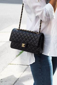 There are lots of luxury and well designed Chanel bags in the stores this season. I mean, who doesn't like a Chanel bag? Chanel Handbags, Fashion Handbags, Purses And Handbags, Leather Handbags, Cheap Handbags, Cheap Purses, Cheap Bags, Chanel Bags, Large Purses