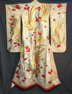 Wedding kimono birds pheasants birds embroidered by ENVIAfashion
