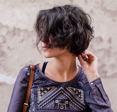Short curly hair & color - coline