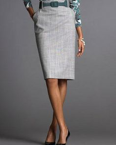 {Classy & Fabulous} The Modern Guide to Becoming a More Classy Woman: How to Dress Classy on a Budget Trendy Dresses, Nice Dresses, Dresses For Work, Work Outfits, Fashion Tips For Women, Love Fashion, Grey Pencil Skirt, Pencil Skirts, Look Office