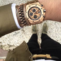 Today's wristgame with Audemars Piguet Rose gold offshore and Anil Arjandas Jewels bracelets. Audemars Piguet Rose Gold, Audemars Piguet Diver, Audemars Piguet Watches, Patek Philippe, Omega, Mens Toys, Luxury Lifestyle Fashion, Silver Pocket Watch, Elegant Watches