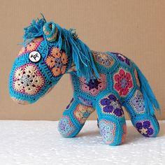 Knitted Horse Sparky — Вязаный Конь Спарки (30x20x15sm)