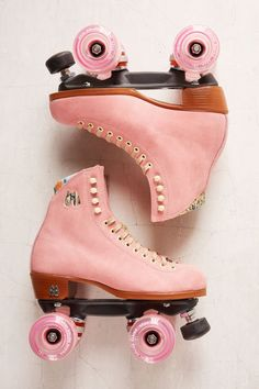 Shop Moxi Leather Roller Skates at Urban Outfitters today. We carry all the latest styles, colors and brands for you to choose from right here. Pink Roller Skates, Roller Skate Shoes, Vintage Roller Skates, Art Michael Jordan, Bright Summer Acrylic Nails, Deco Rose, Burton Snowboards, Skateboard Art, Kitesurfing