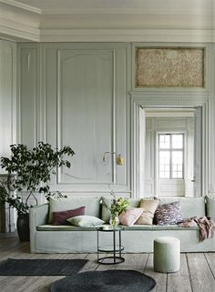 Feb 2017 - ELLE Decoration UK's edit of the most beautiful living rooms, lounge chairs, sofas and side tables See more ideas about Interior, Interior design and Beautiful living rooms. Interior Desing, Interior Inspiration, Room Inspiration, Interior And Exterior, Room Interior, Interior Ideas, Design Inspiration, Design Ideas, Design Hotel