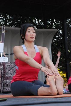 8 Yoga Poses For Restless Legs Syndrome