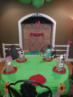Farm Birthday Theme! Love the window decorated like a barn! Love the party bags!!!
