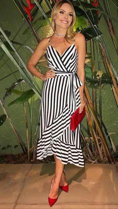 Сарафаны Girl Fashion, Fashion Dresses, Womens Fashion, Fashion Design, Pretty Dresses, Beautiful Dresses, Dress Skirt, Dress Up, Maxi Robes
