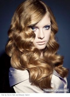 Google Image Result for http://pics.haircutshairstyles.com/img/photos/full/2011-09/long_big_curls_hair_style1080.jpg