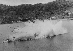 """Aircraft - 1944, Papouasie Nouvelle Guinée, Un avion US touché lors d'un """"air raid"""" par la DCA japonaise 4/4"""