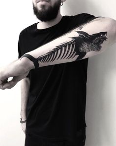 Elegant Shark Fish Temporary Tattoos for Men to Try This Year - Tattoo DIY Hand Tattoos, Skeleton Tattoos, Forearm Tattoos, Arm Band Tattoo, Body Art Tattoos, Tatoos, Fish Tattoos, Badass Tattoos, Tattoos For Guys