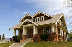 Craftsman Bungalow Built in 1913 in the Douglas Park area of Salt Lake City, Utah - reminds me of our first house in Brookside, KCMO Craftsman Style Bungalow, Bungalow House Plans, Bungalow Homes, Craftsman Bungalows, Bedroom House Plans, Salt Lake City, Craftsman Exterior, Craftsman Homes, Exterior Siding