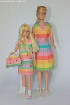 barbie and skipper matching outfits Vintage Barbie Kleidung, Vintage Barbie Clothes, Vintage Dolls, Doll Clothes, Play Barbie, Barbie Skipper, Barbie And Ken, Manequin, Barbie Sisters